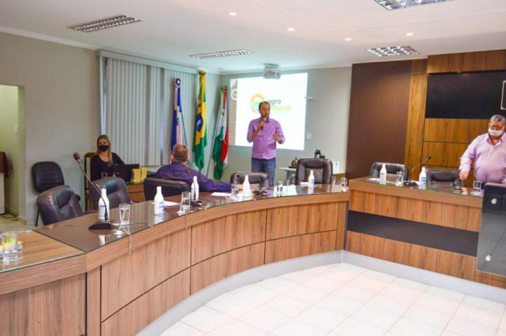 Programa de fruticultura de Linhares é apresentado em seminário em Afonso Cláudio
