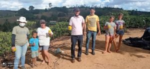 Agricultores de Nova Venécia recebem aparelhos que ajudam a economizar água na irrigação