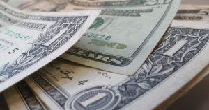 Dólar sobe pela quarta vez seguida e aproxima-se de R$ 5,38