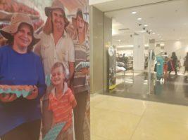 """""""Mãos que alimentam"""": exposição no Shopping Vitória comemora os dez anos da revista Conexão Safra"""