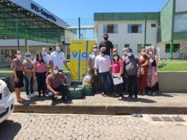 Pescadores em situação de risco e famílias de baixa renda recebem cesta verde
