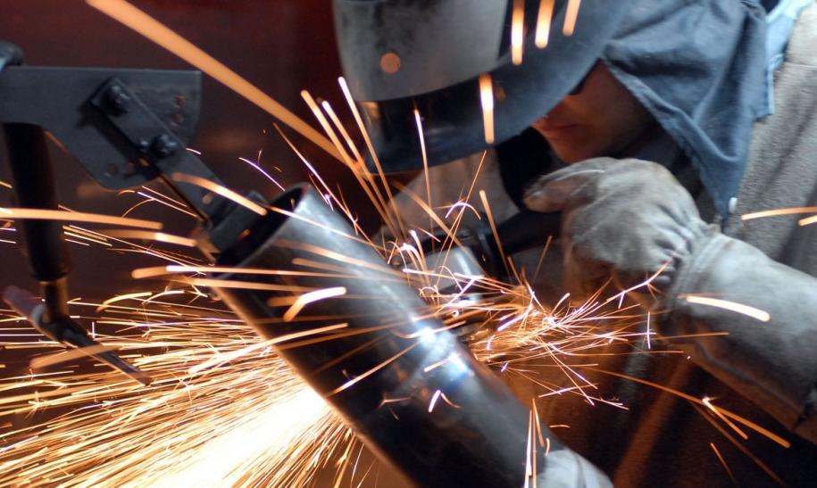 Produção industrial cresce no Espírito Santo e em mais 10 locais em setembro, diz IBGE
